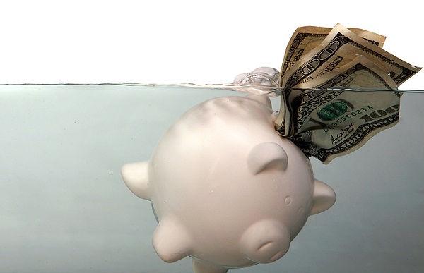 piggy_bank_still_drowning
