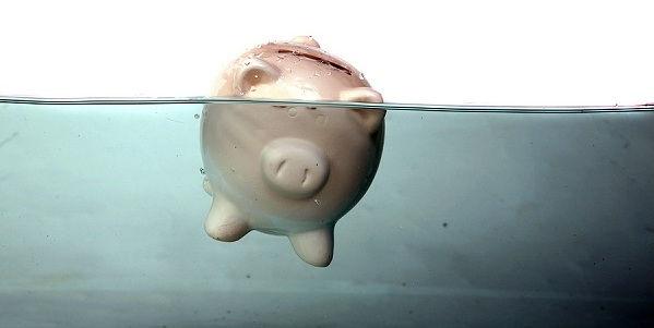piggy_bank_drowning